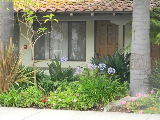 Franciscan Inn : Nuestra habitación desde afuera!