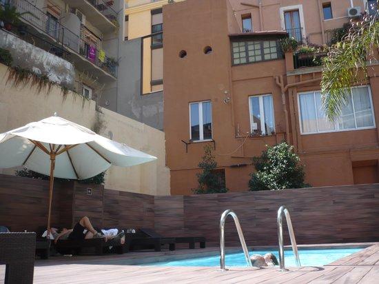 Catalonia Portal de l'Angel: swimming pool
