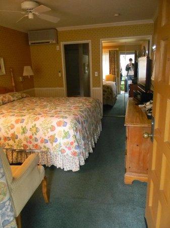 Franciscan Inn : Dormitorio muy amplio.
