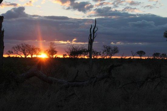 Tydon Bush Camp: Beautiful sunset