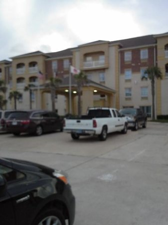 Holiday Inn Express & Suites Corpus Christi-N Padre Island: Outside the Hotel