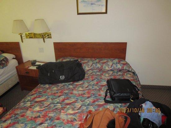 Super 8 Edmonton/West: second double bed