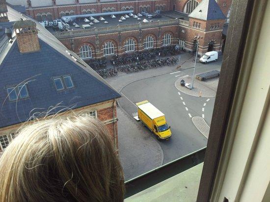 Copenhagen Plaza Hotel: Room overlooking the Railway station