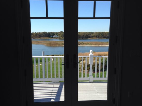 Seatuck Cove House Waterfront Inn : View from dune road room
