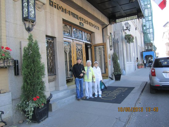 Hotel Clarendon : with mom and aunt in front of hotel