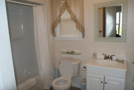 Seascape Coastal Retreat: Clean spacious bathroom with jetted tub