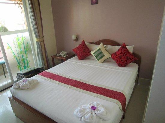 Fancy Guest House: Top Floor Balcony Room