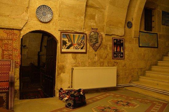 Cappadocia Palace: 食事するところ、入り口