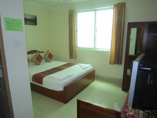 Fancy Guest House: Room with window, but no balcony