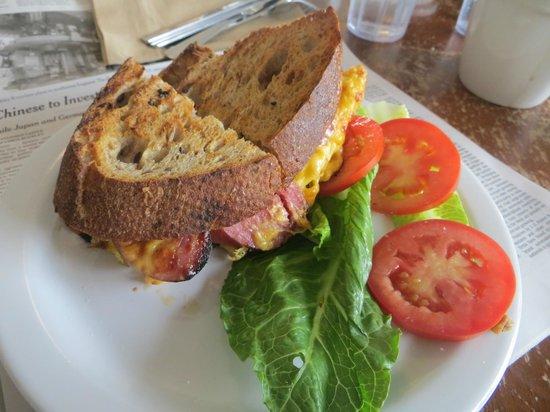 Green Salmon Coffee Shop: sausage and egg sandwich