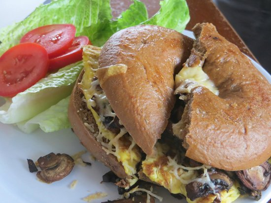 Green Salmon Coffee Shop: mushroom egg sandwich