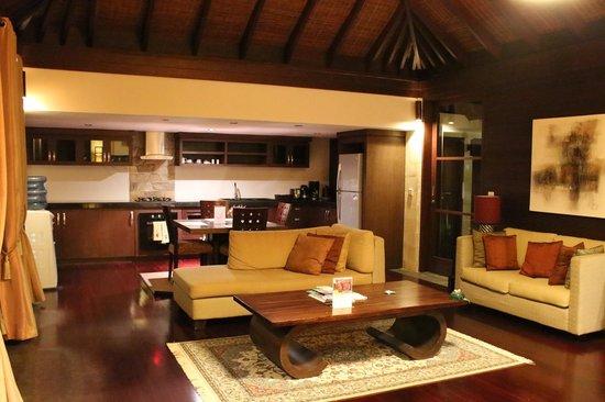 Gending Kedis Villas & Spa Estate: Spacious living-room