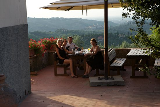 Podere Le Cave: BBQ with friends