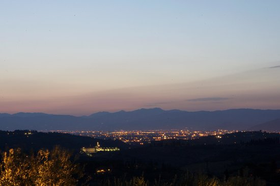 Podere Le Cave: Florence at night