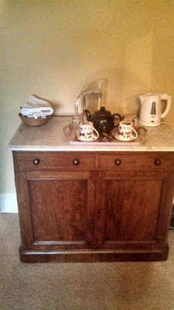 Grange Farm Woolpit: Plenty of coffee/tea/biscuits