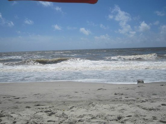 Best Western Plus Grand Strand Inn & Suites : view from in front of hotel