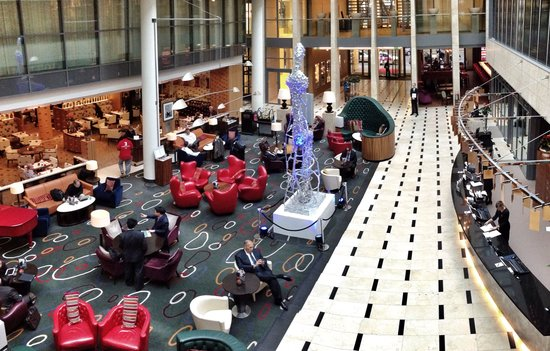 InterContinental Dusseldorf : The lobby