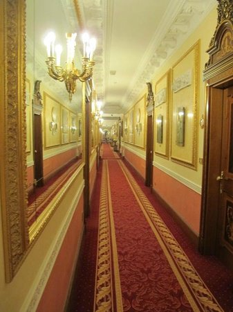 Grand Hotel des Iles Borromées & SPA : hallway