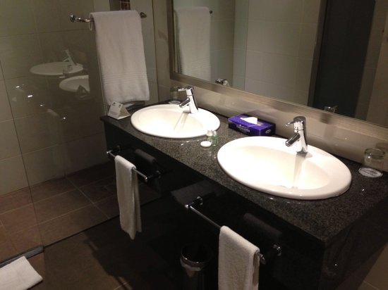 Birchwood Hotel: Bathroom