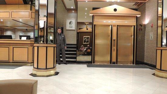 Hotel Metro: accueil