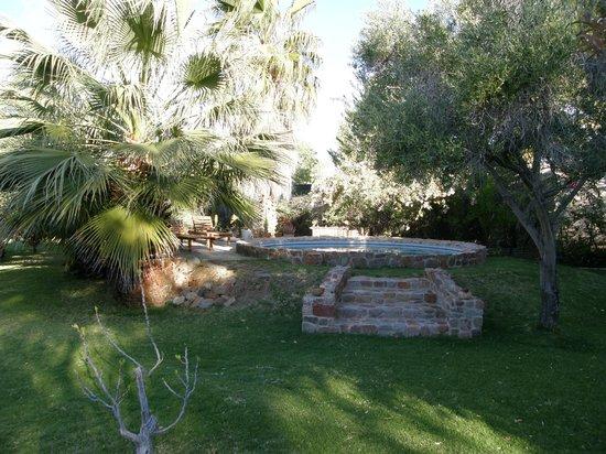 Saxe-Coburg Lodge: Pool