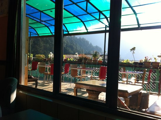 Green Hotel: Restaurant balcony