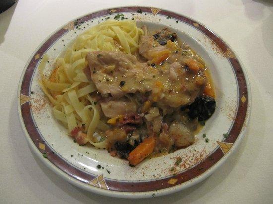 O' Gracia Restaurant : Estofado de Conejo con Ciruelas y Bacon
