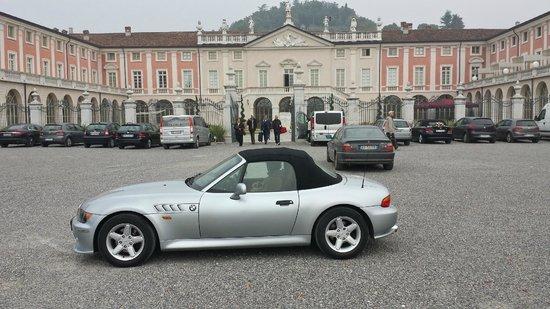 Villa Fenaroli Palace Hotel : villa fenaroli dal parcheggio