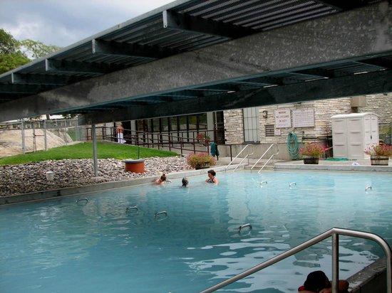 Eagle RV Park and Campground: Nearby Free Hot Springs Park Pool