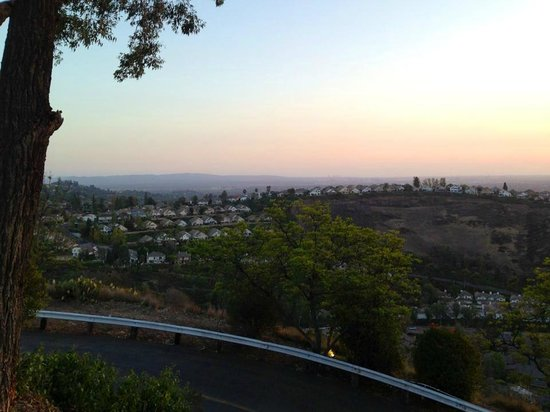 Orange Hill Restaurant : great view