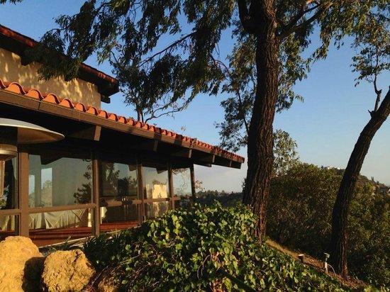 Orange Hill Restaurant: outdoor facade