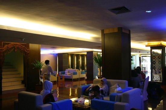 Pandanaran Hotel Semarang : lobby yang nyaman