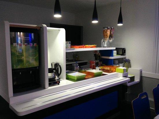 Ibis Budget Belfort Centre : buffet Petit Déjeuner