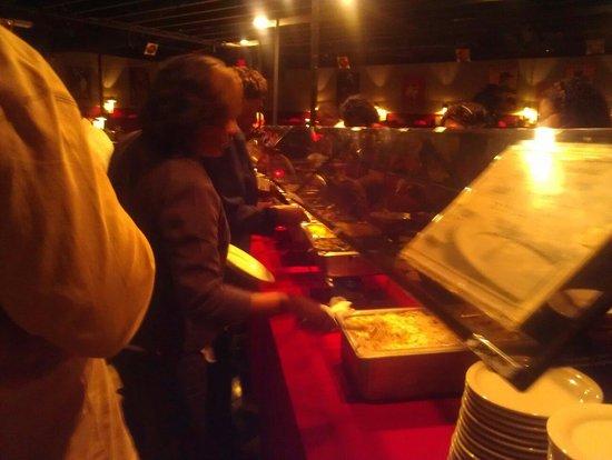 The Barn Dinner Theatre: Buffet Line