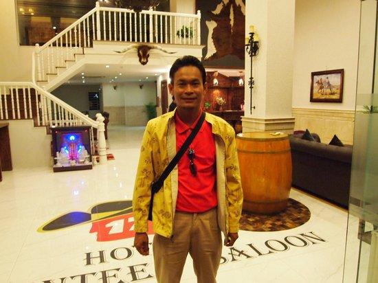 Seventeen Saloon Hotel: ภายในโรงแรม