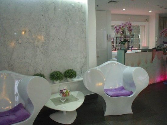 Hotel Luxe : The reception area
