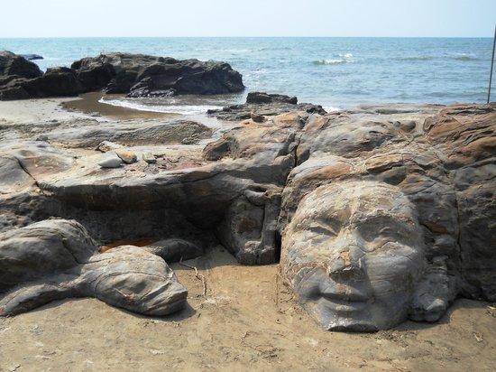 Behind goa beach rocks hidden cambootytk - 1 5
