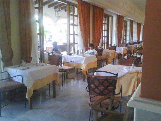Iberostar Andalucia Playa: Vistas del comedor y mi hijo