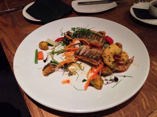 Maiyango Restaurant: Sea bass with king prawns.