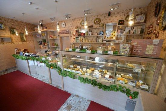 Amaretti Pasticceria Italiana: The inside of pastry shop