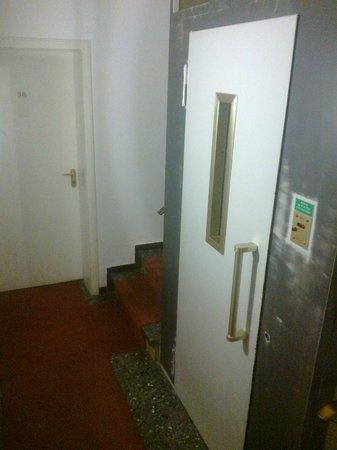 Terminus Hotel: elevator
