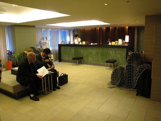 Sotetsu Fresa Inn Tokyo Kyobashi : 2nd floor (LOBBY)