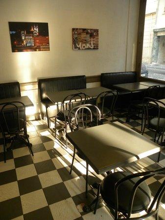Cafe Restaurant de la Mairie: Salle avant