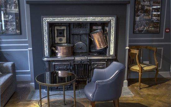 Morton Hotel: Original stove in the Library