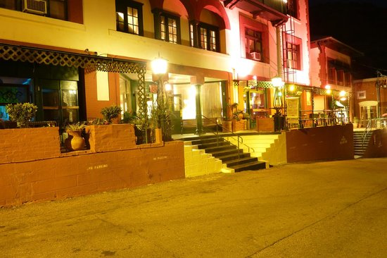 Copper Queen Hotel : Exterior of the hotel
