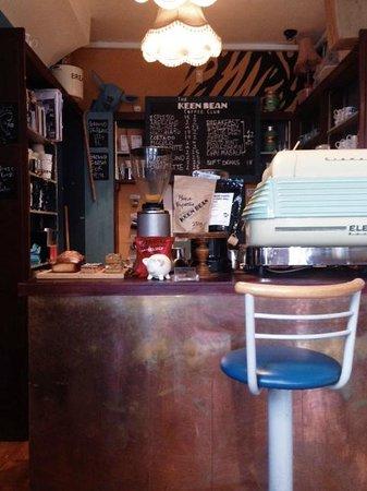 The Keen Bean Coffee Club: The interior