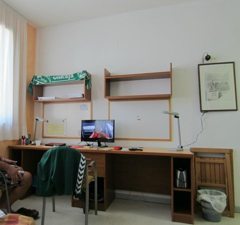 Residencia Fernando Villalon: Escritorios para estudiantes
