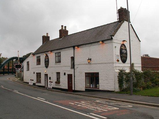 Ruswarp, UK: The Bridge Inn