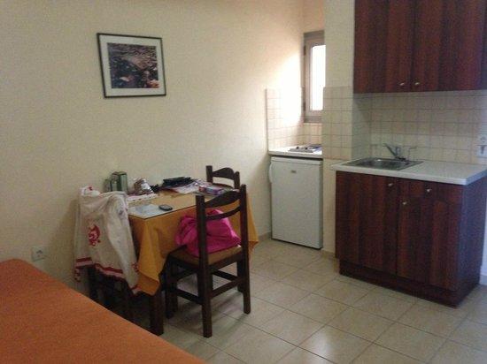 Blue Sky Hotel Apartments: Кухня