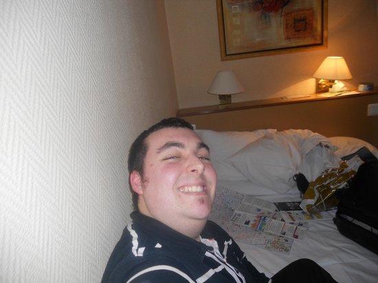 Qualys Hotel Apolonia Mouffetard Paris 5 : Io in camera...